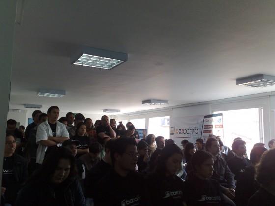 #barcampbogota la conferencia de @freddier es un éxito, llen... on TwitPic